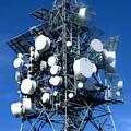 Sendemast: Viele Kunden klagen über Netzwerkprobleme (Foto: Joujou, pixelio.de)