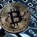 Bitcoin und Co sind wertmässig eingebrochen (Symbolbild: Pixabay/Geralt)