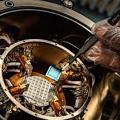 Hitzebeständige Elektronik aus Kunststoff (Foto: John Underwood, purdue.edu)