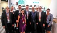 Gruppenbild des Bühler Teams mit Microsoft CEO Satya Nadella (vierter von rechts) (Bild: zVg)