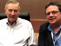 ICTkommunikation-Mitarbeiter Herbert Koczera (rechts) mit SAS-Chef Jim Goodnight in Dallas (Bild: zVg)